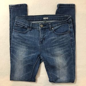 BDG (UO) Mid Rise Twig Ankle Jeans Size 26